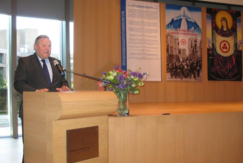 Генеральный директор фонда Карнеги Стивен ван Хоохстратен