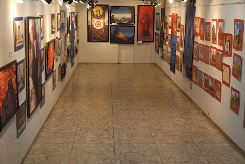 Перед-открытием-выставки.jpg
