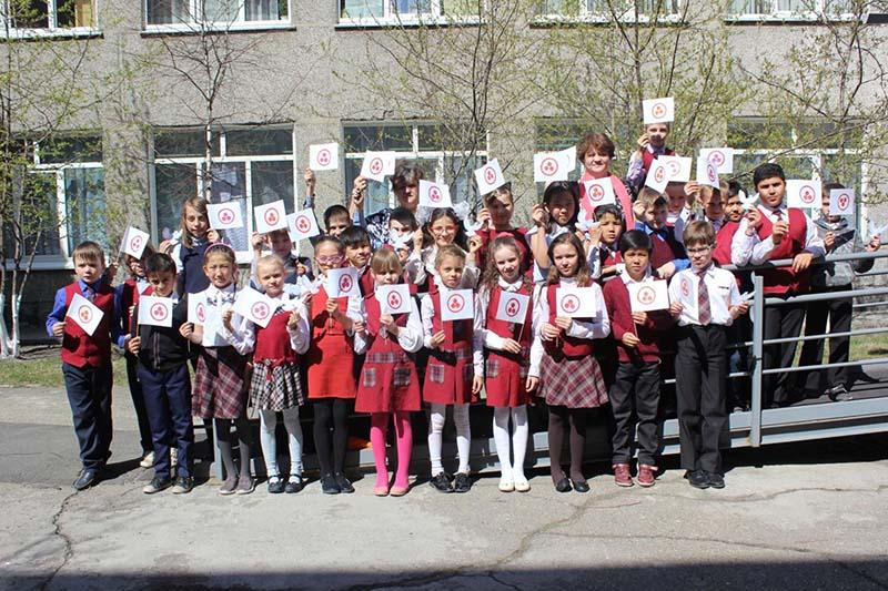 В школе № 42 г. Иркутска в 3-4-х классах учителями начальных классов были проведены классные часы , посвященные дню Культуры