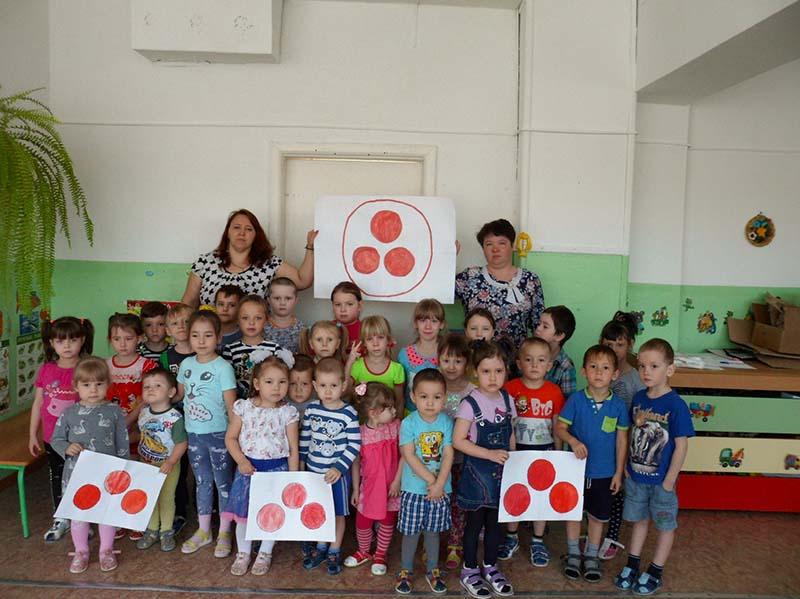 Воспитатели старшей группы детского сада провели тематическую беседу на тему «Учись быть культурным»