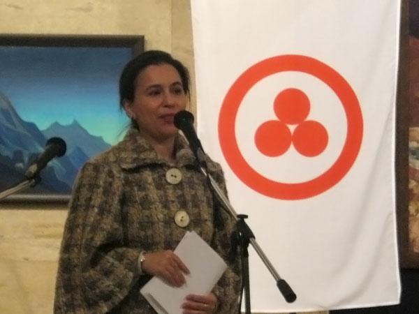 выступает председатель Болгарского отделения МЦР Марга Куцарова