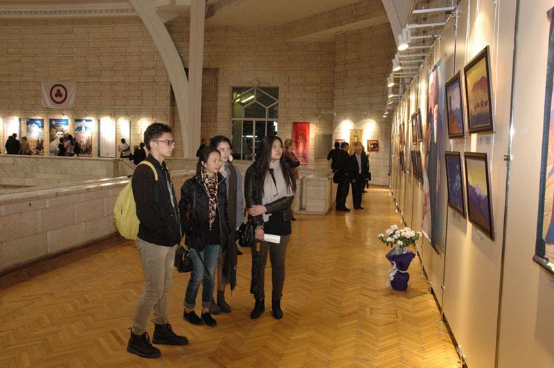 На выставке «Пакт Рериха. История и современность» в Центральном Государственном музее Республики Казахстан