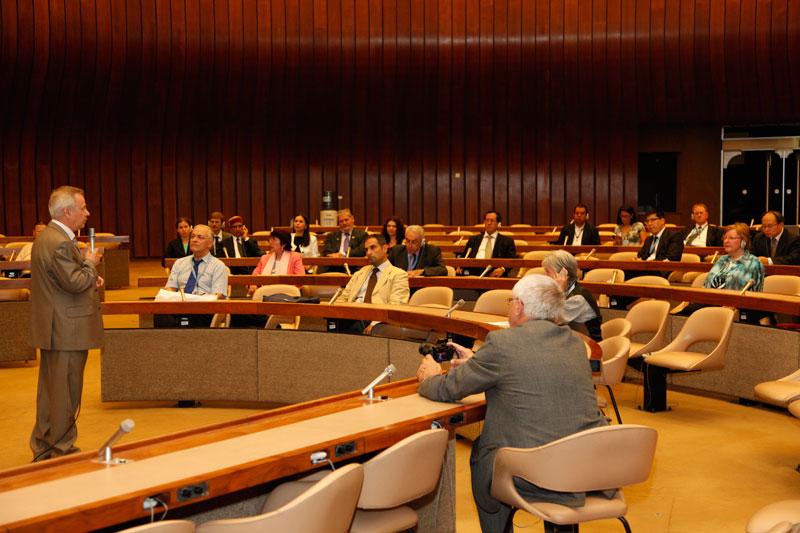 Презентация фильма генерального директора Музея имени Н.К. Рериха Л.В. Шапошниковой «Зов Космической Эволюции», выступает В.В.Фролов