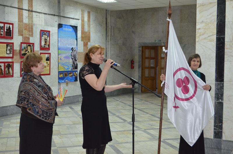 Справа на лево: Любовь Константиновна Кузькина, Карият Магомедовна Асильдерова