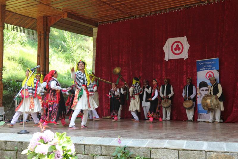 Традиционный танец нати