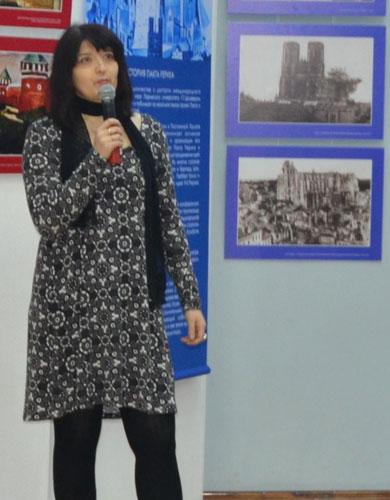 Заведующая художественным отделением детской школы искусств г. Нефтеюганска Виктория Александровна Ежелева