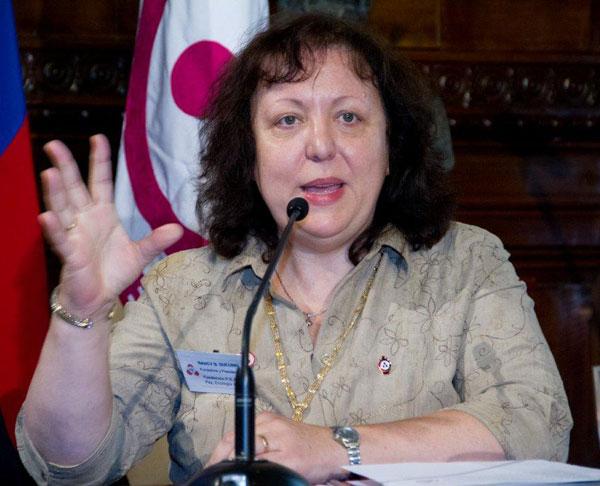 Президент Фонда «За Мир, Экологию и Искусство на планете» Нанси Дусуинг де Марторелли