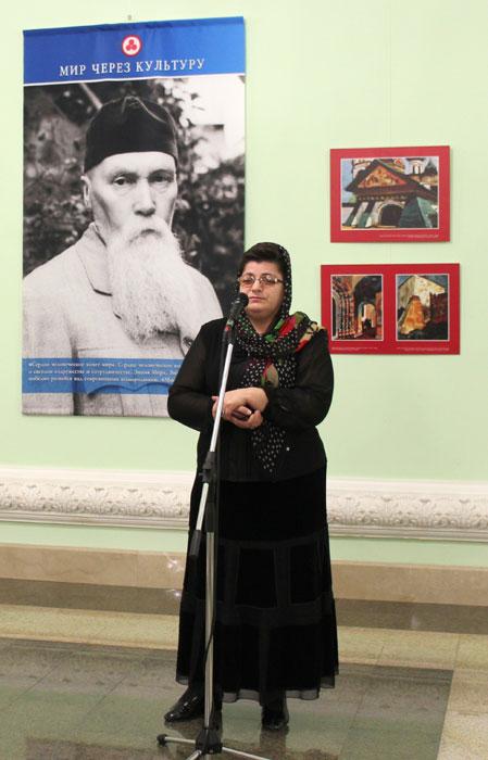 Руководитель Чеченского Республиканского Центра Гуманной педагогики Хулимат Зелимхановна Султанова