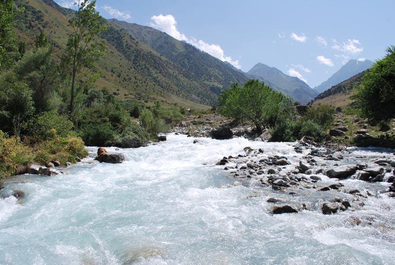 Река Иссык-Атинка