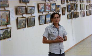 Александр Богданов открывает выставку