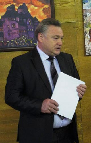 Глава Верещагинского района и  администрации Верещагинского района С.В.Кондратьев