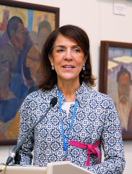 Выступает представитель Комитета Международного Красного Креста Мария Тереза Дутли