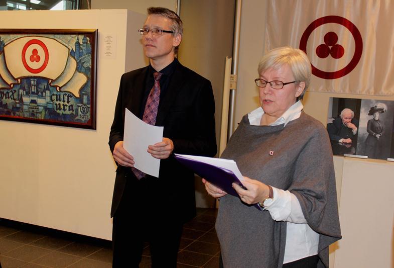 Эдуард Крамп - научный сотрудник отдела развития Музея имени Н.К. Рериха (слева), Паула Лииматта - председатель «Ассоциации гуманной педагогики в Финляндии» (справа).